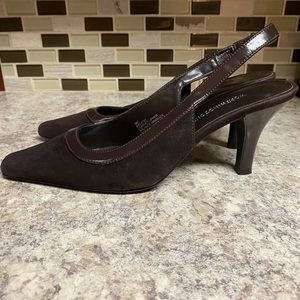 Worthington brown suede heels, size 6M.